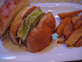 Goros_diner_shrimp_and_avocado_sandwich1