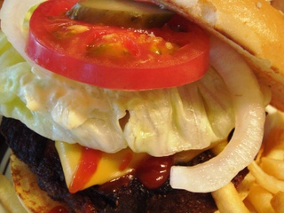 The_hamburger_inn_bacon_cheeseburger2