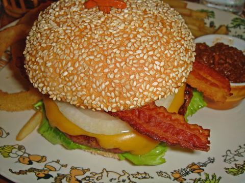Trader_vics_perfect_burger1_2